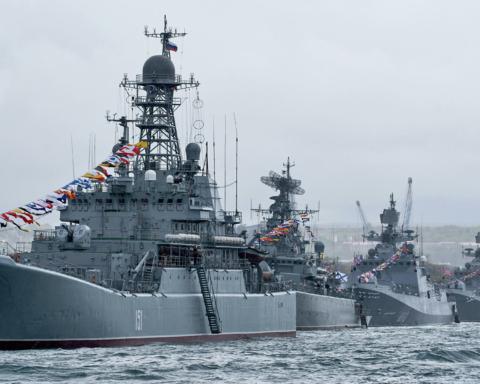 Корабли Черноморского флота должны передать Украине, — Резников