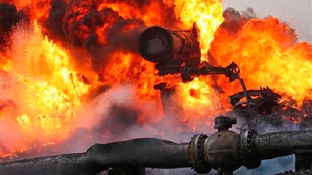 У Луганську пролунав потужний вибух на газопроводі: відео