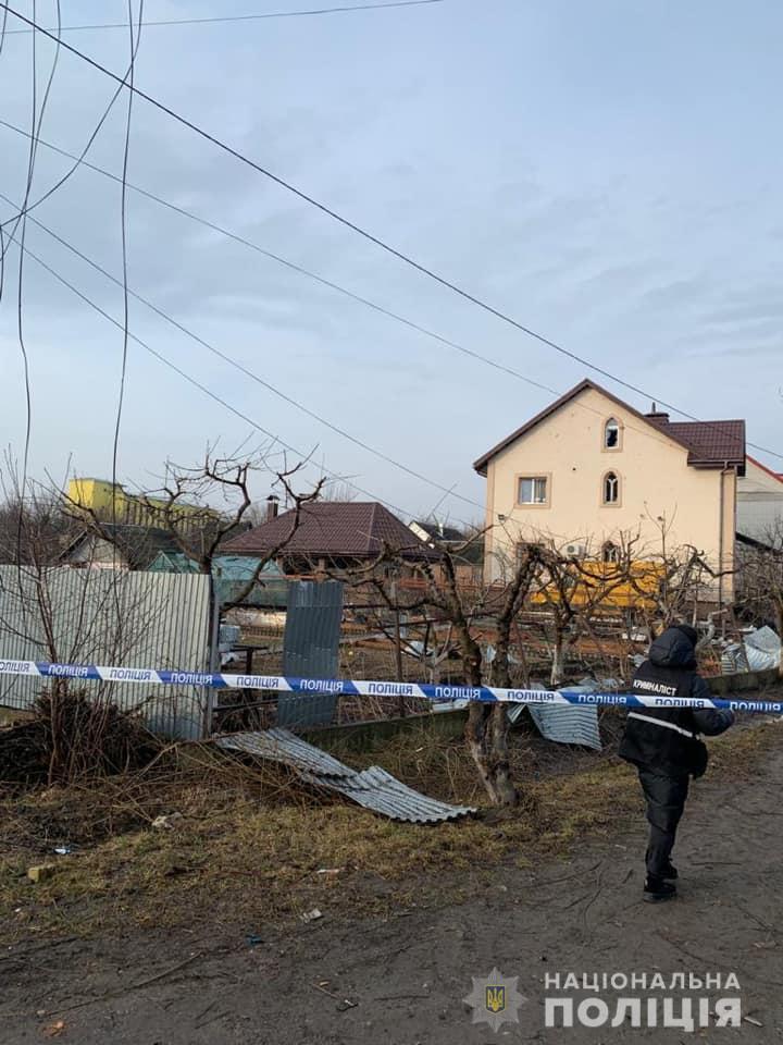 Під Києвом пролунав вибух: є постраждалий, пошкоджені будинки та автомобілі