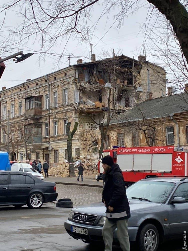У центрі Одеси обвалилася частина пам'ятки архітектури: перші кадри з місця НП