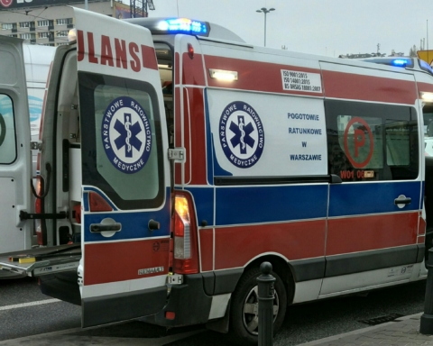 Автобус з українцями потрапив у ДТП у Польщі: є загиблий і поранені
