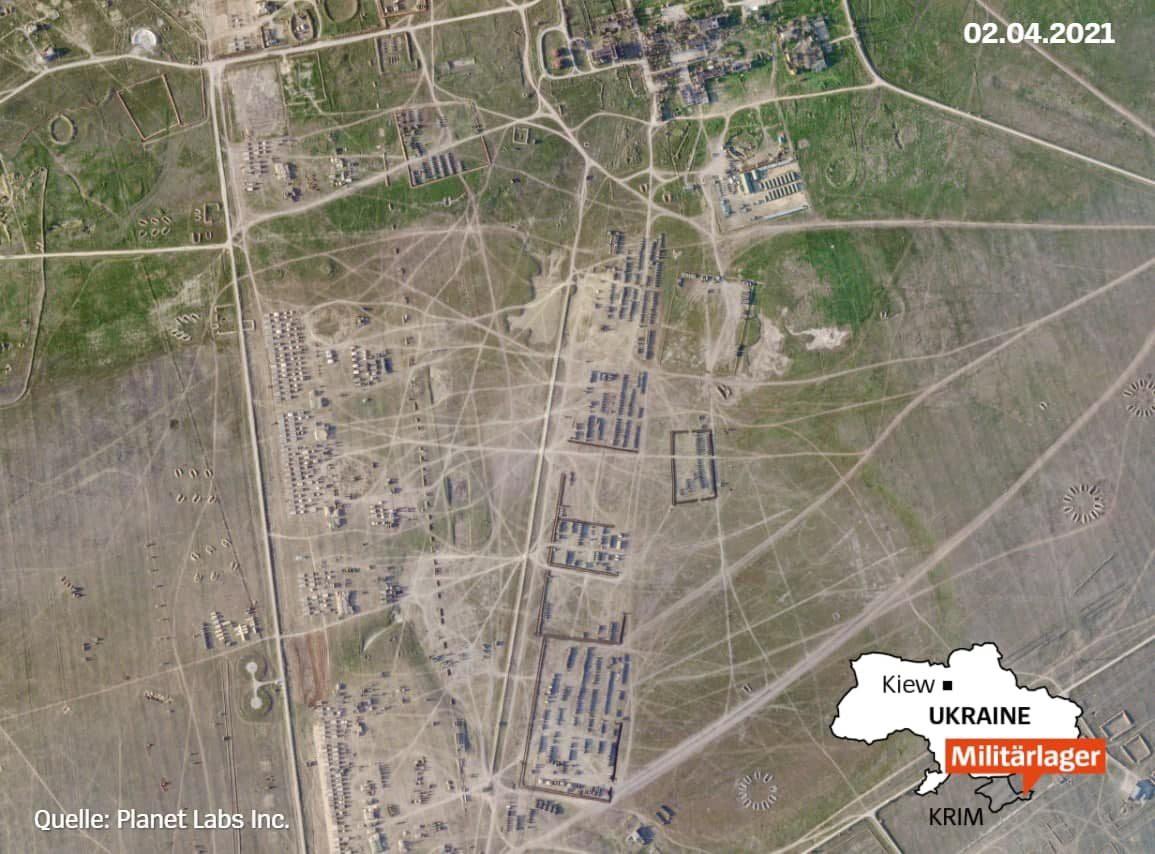 В сети показали спутниковые снимки масштабного лагеря российских войск в Крыму
