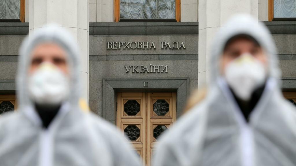 Киев снимает карантин: как будет работать транспорт и школы