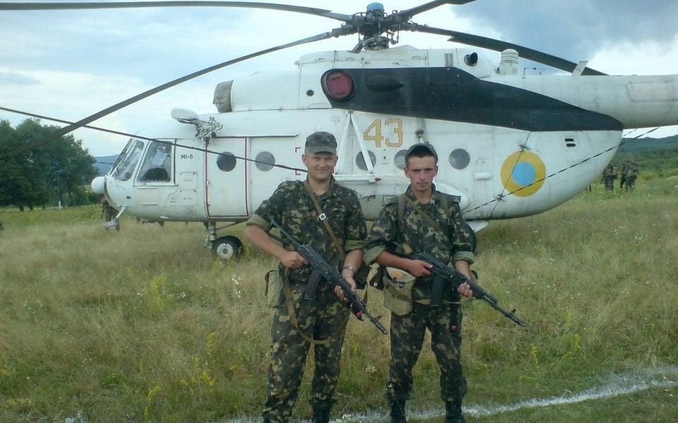 Росгвардія літає на перефарбованих українських вертольотах з Криму: фотодоказ