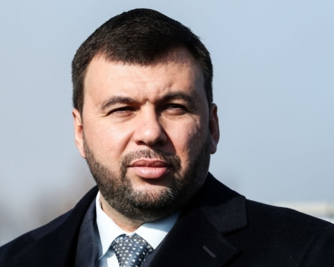 Пытается задушить свободу слова: Пушилин о давлении Зеленского на «Оппозиционную платформу — За жизнь»