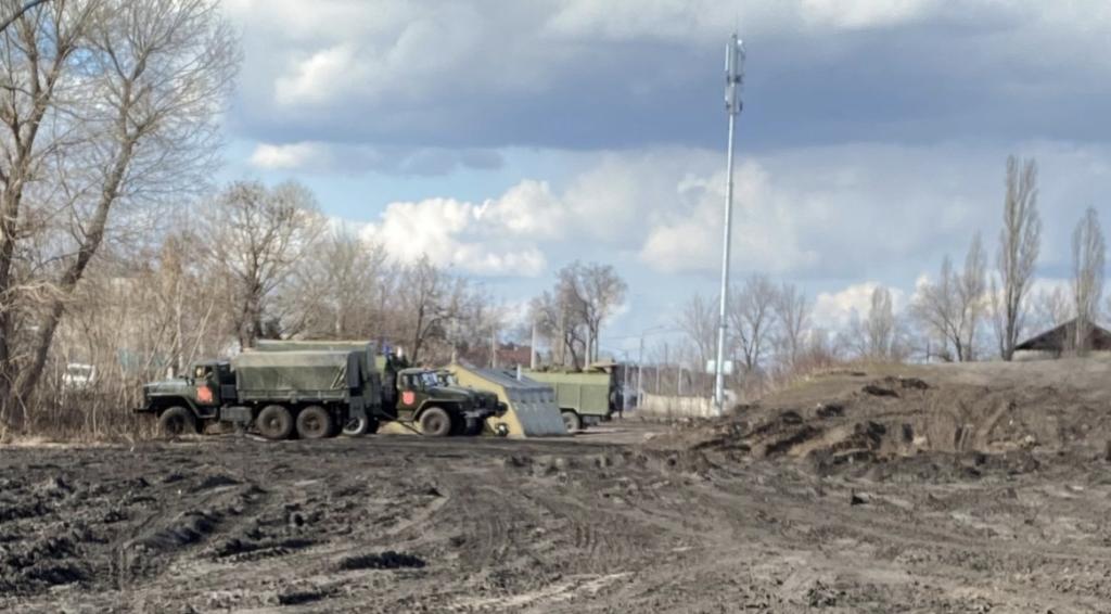 Британські журналісти показали військовий табір в РФ біля кордону України – фото