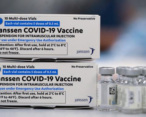 Тромбоз викликає ще одна вакцина: чому світ відмовляється від препарату Johnson & Johnson