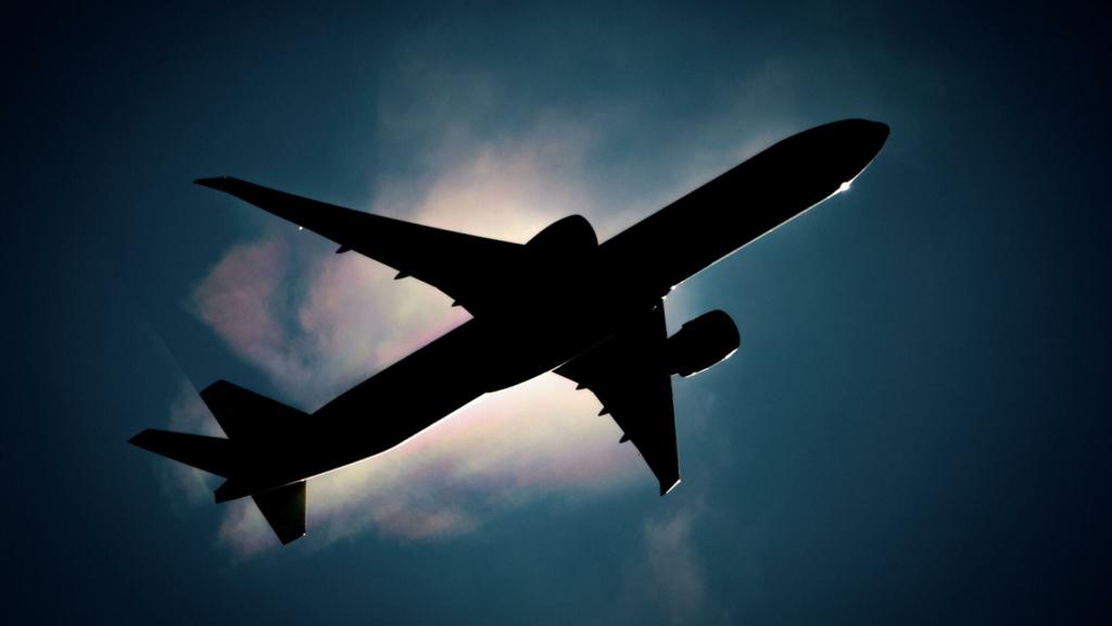 У Білорусь прилетів літак ФСБ з Москви: перші подробиці і кадри