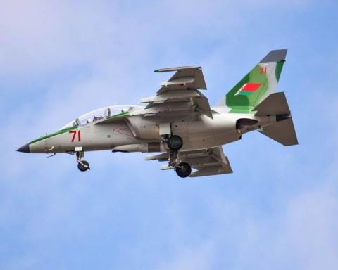 У Білорусі впав навчально-бойовий літак: момент аварії зняли на камеру