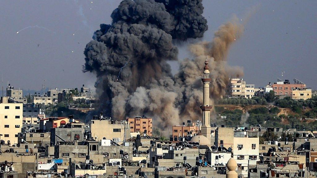 Армия обороны Израиля атаковала дома лидеров ХАМАС: подробности