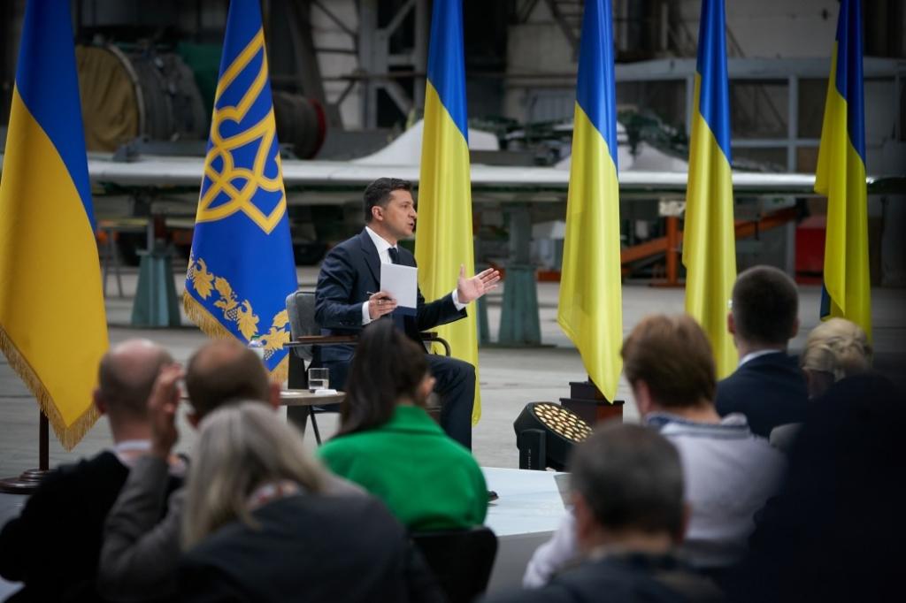 Зеленський пообіцяв підвищити пенсії українцям: подробиці