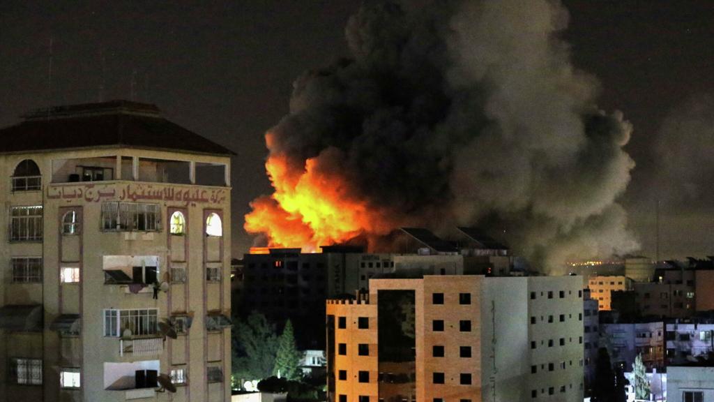 Жертвы и закрытый аэропорт: Тель-Авив подвергся обстрелу со стороны сектора Газа