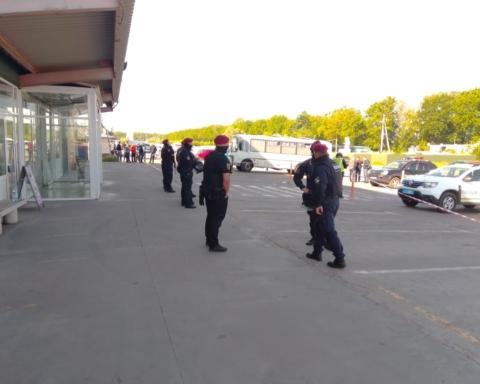 В Киеве на рынке «Столичный» прогремели взрывы: подробности