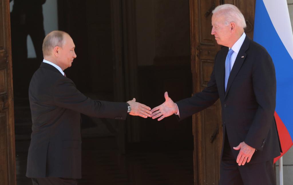 Про що говорили Байден і Путін на зустрічі: коротке резюме
