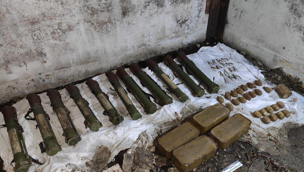 На Донеччині знайшли схрон зі зброєю бойовиків Гіркіна