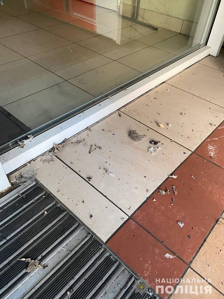 В киевском ТЦ прогремел взрыв в почтомате — сдетонировала взрывчатка