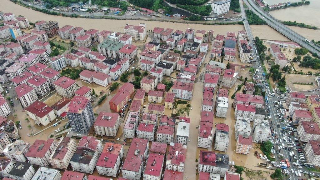 У Туреччині через повінь затоплено ціле місто