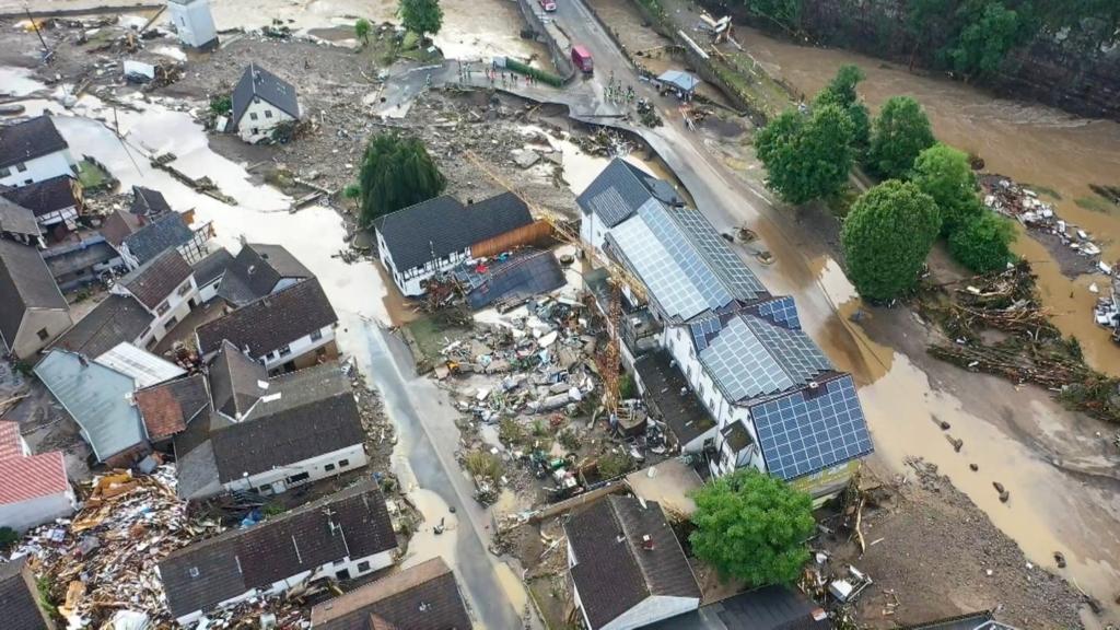 Наводнения в Германии и Бельгии: десятки погибших и пропавших без вести