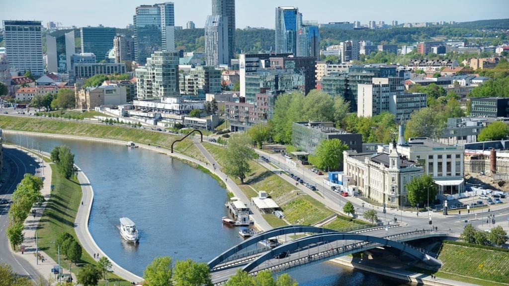 """Литва почала будівництво """"Стіни"""" на кордоні з Білоруссю"""