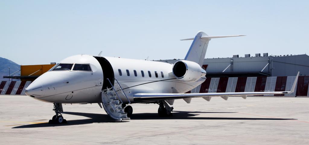 У США розбився пасажирський літак: кадри з місця трагедії