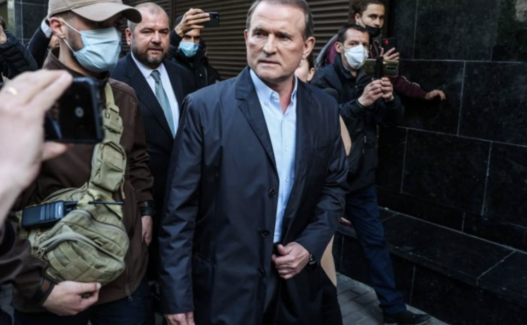 """На Банковой решили подчинить судебную ветвь и руководить ею в """"ручном режиме"""", чтобы не опозориться с делом Медведчука"""