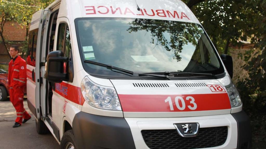 В «скорую» не могли дозвониться: посетители кафе в Одессе стали свидетелями жуткой смерти молодого парня
