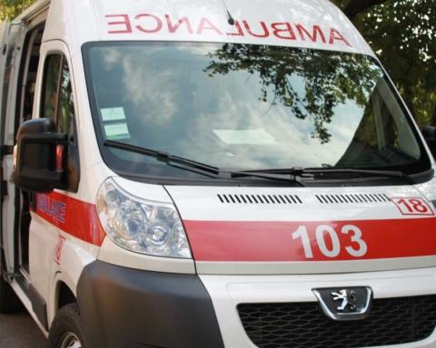 У Києві перекинувся міжнародний автобус: постраждали 18 людей