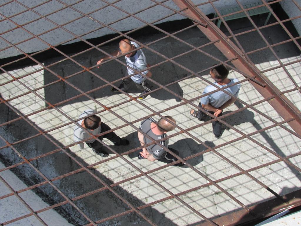 В Україні ув'язненим дозволили користуватися телефонами та інтернетом: озвучені ціни