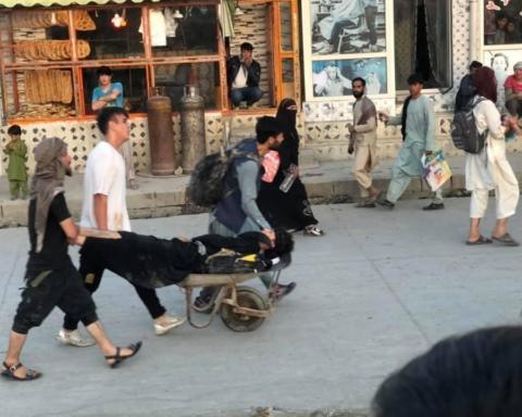 """""""Я бачив кінець світу"""": очевидець розповів про вибухи в Кабулі"""