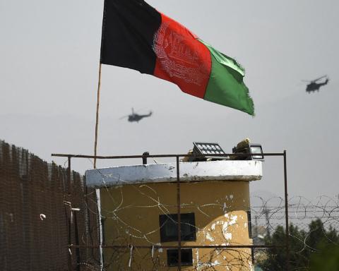 Таліби можуть влаштувати теракт в аеропорту Кабула: Австралія, США і Британія закликають громадян сховатися