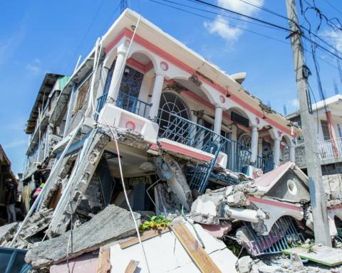 Землетрус на Гаїті: кількість жертв перевищила 1200 осіб