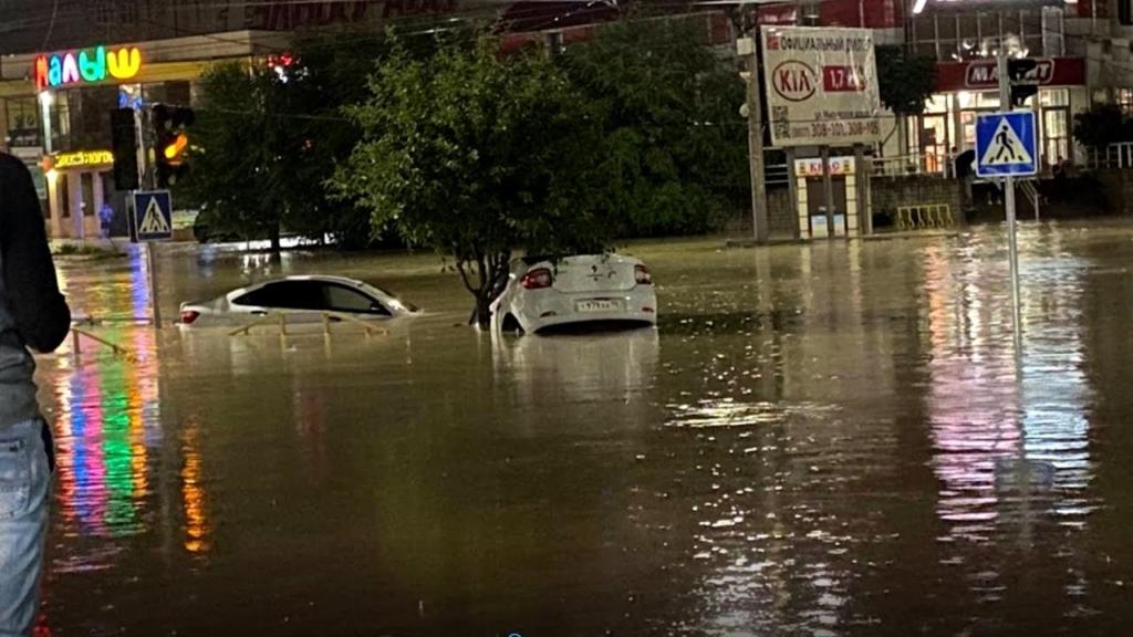 Видео: в России целый город ушел под воду после мощного ливня
