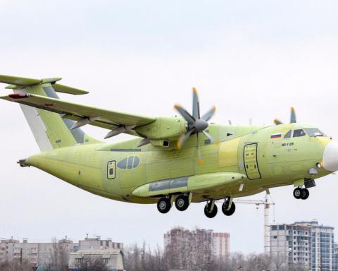 У Росії впав військово-транспортний літак: момент трагедії люди знімали на камеру