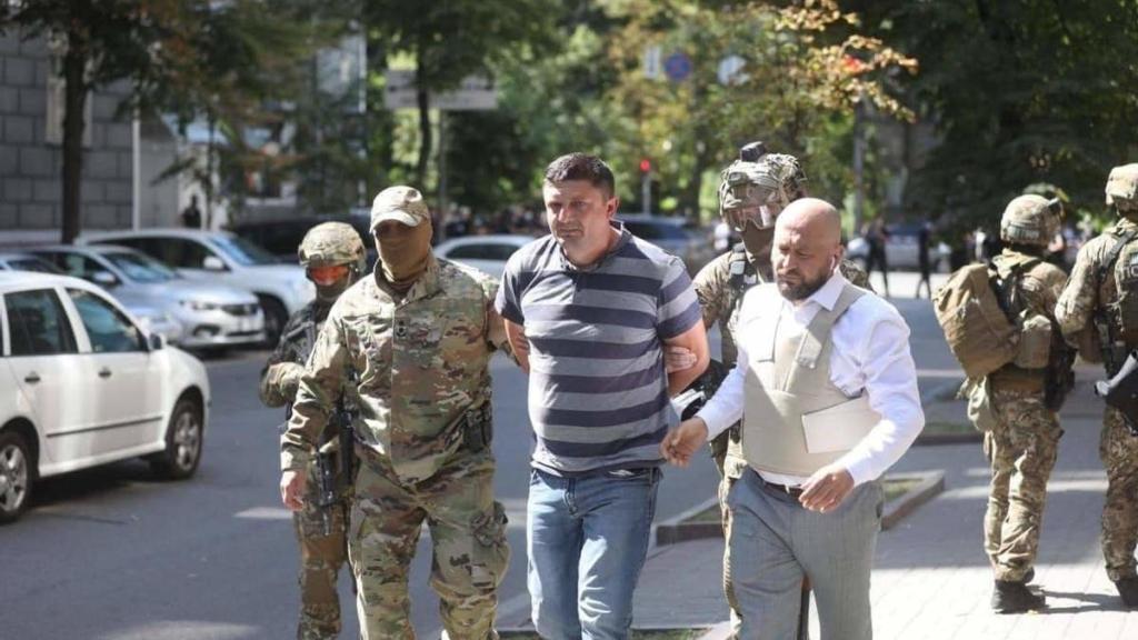 Довели до відчаю: через що ветеран АТО Прохнич прийшов до Кабміну з гранатою