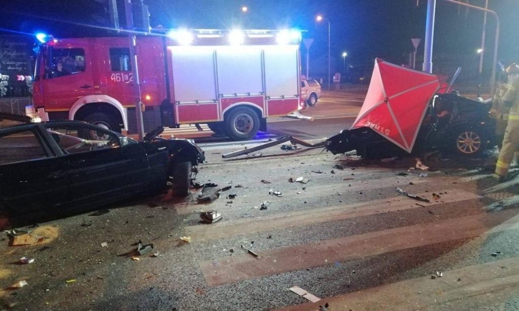 Машину розірвало навпіл: українці загинули у моторошній аварії в Польщі