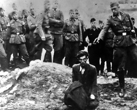 Дітей скидали в яр і закопували живими: СБУ оприлюднила спогади людей про розстріли в Бабиному Яру