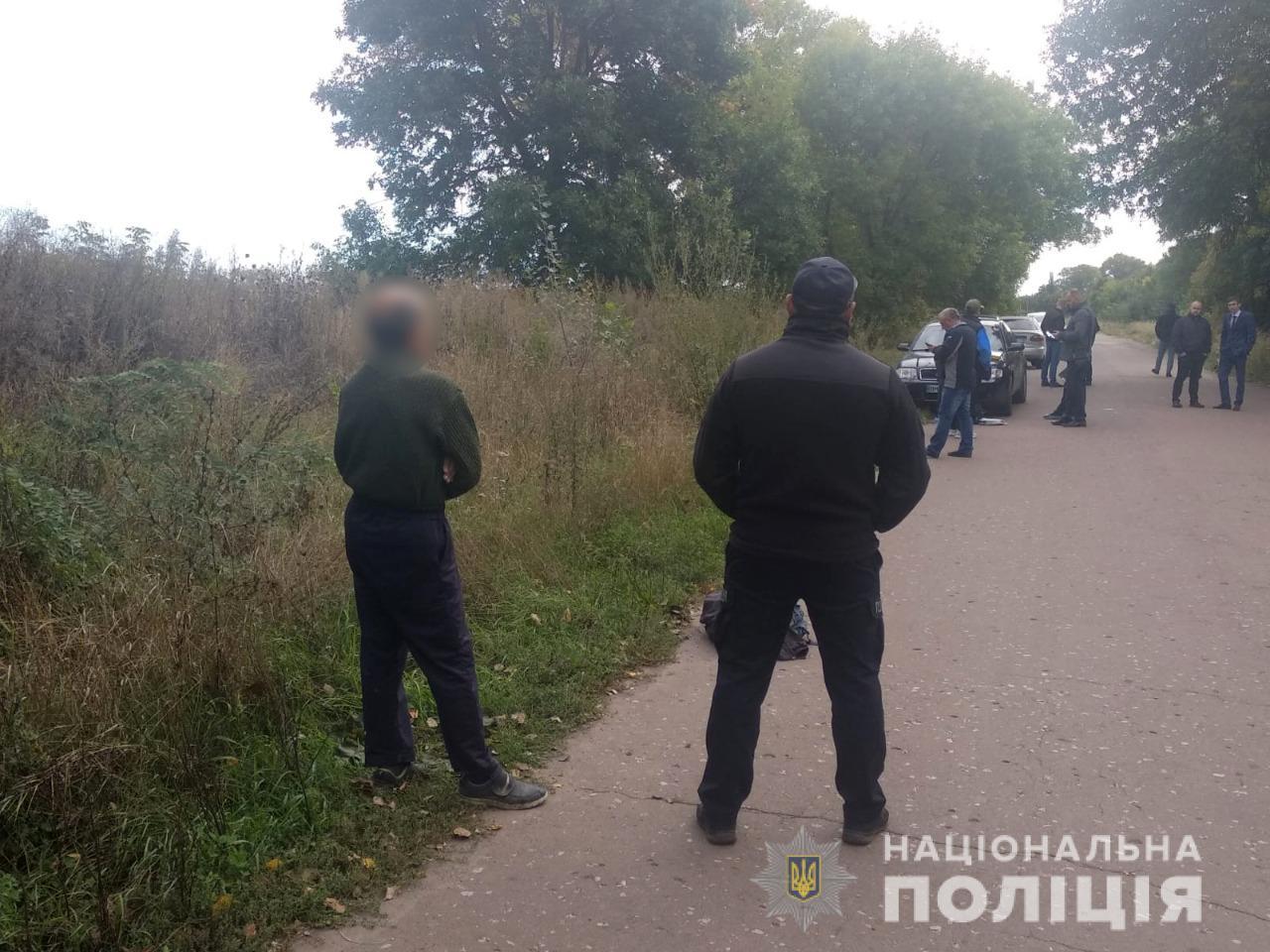 Связал руки и одел пакет на голову: в Сумской области мужчина жестоко убил сына