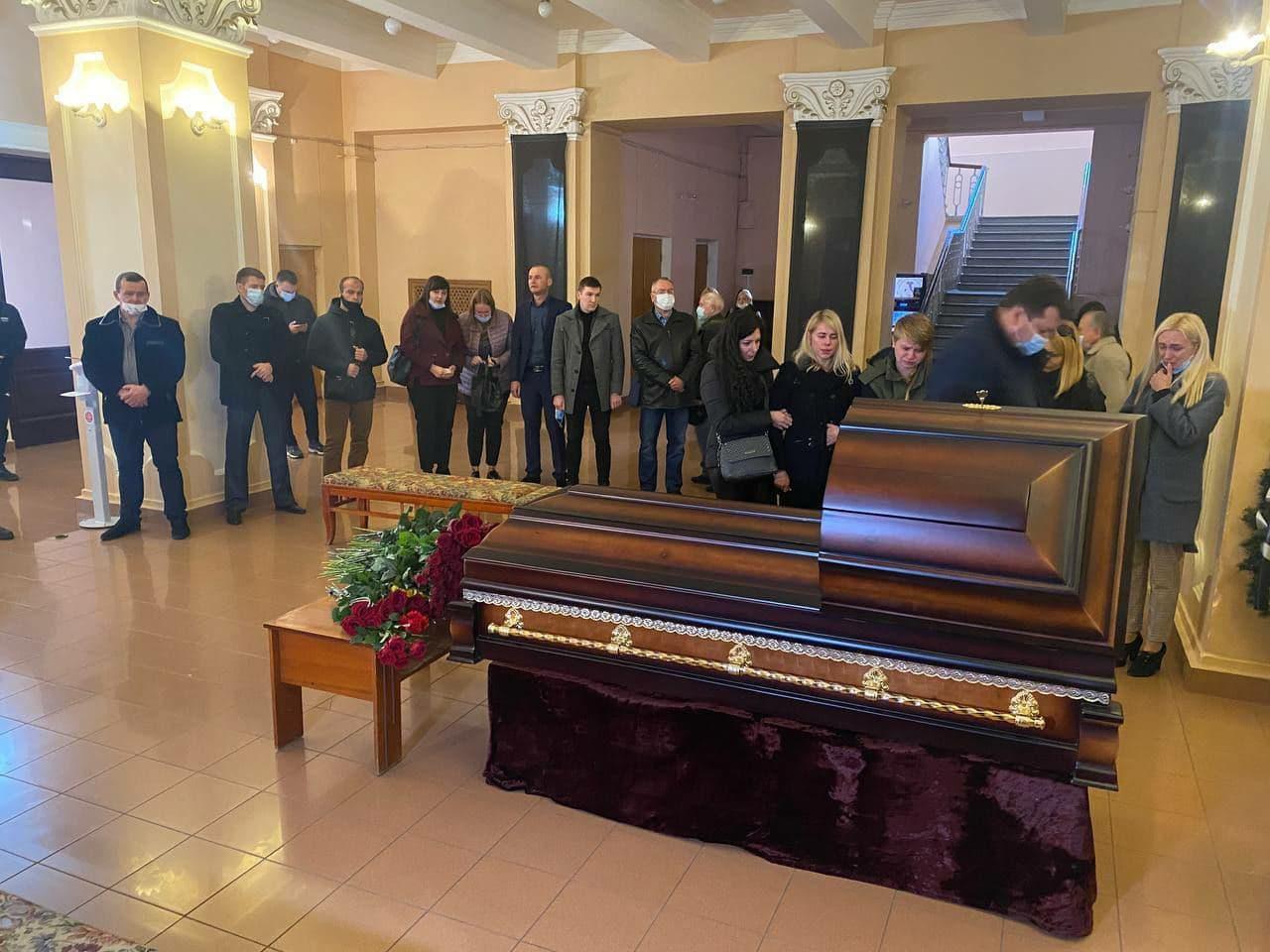 У Чернігові ховають нардепа Полякова, на церемонії стався скандал