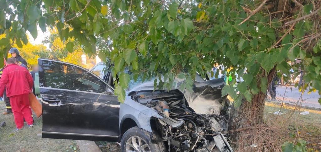 Під Одесою Lexus протаранив машину з військовими, багато постраждалих