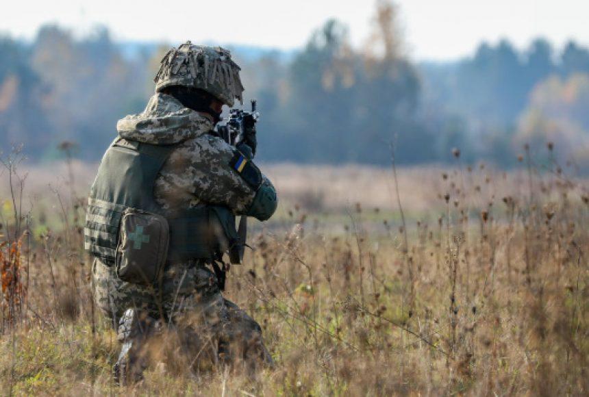 Бойовики на Донбасі знову зірвали перемир'я: що відбувається на передовій