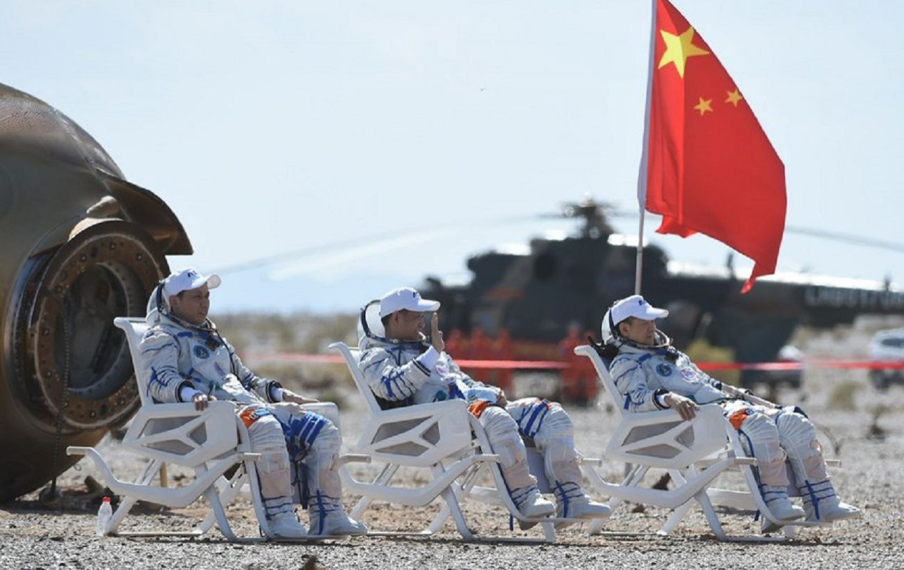 Строительство космической станции Китай завершил первую пилотируемую миссию