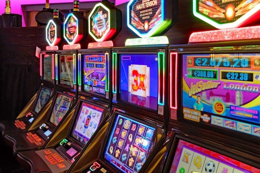 Перше казино в Україні можуть відкрити вже через рік: нардепи розкрили деталі
