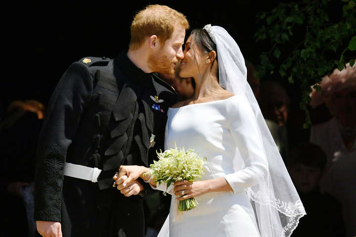 Принц Гарри и Меган Маркл тайно поженились за три дня до официальной церемонии