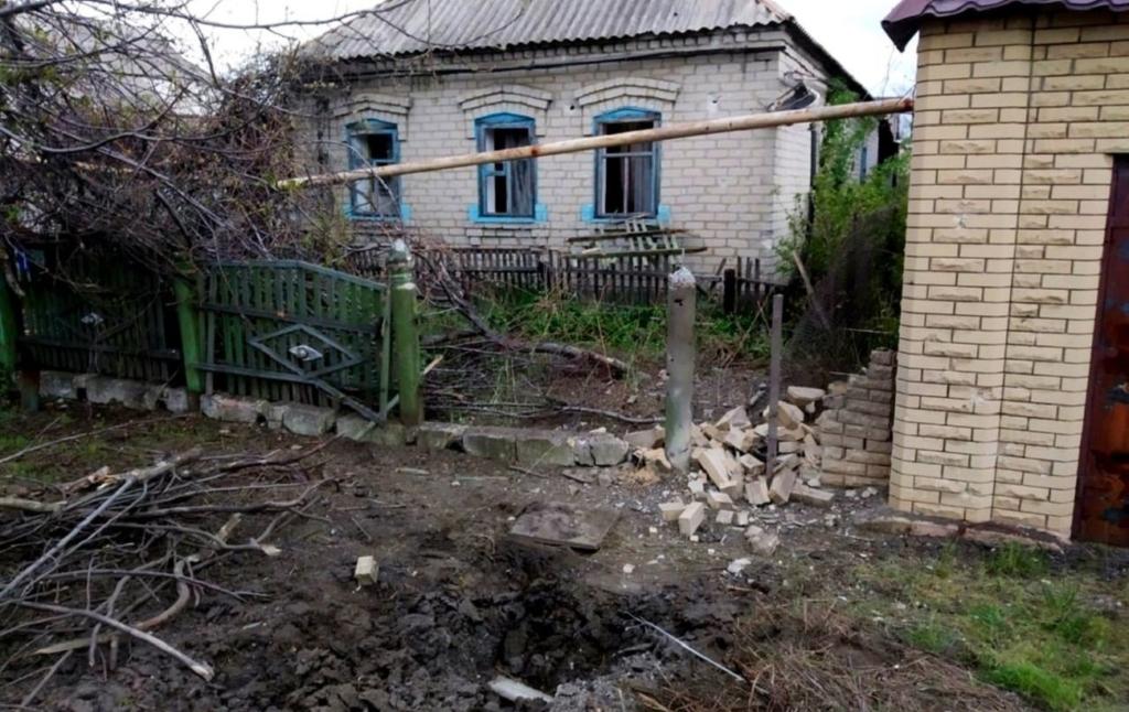 """Бойовики обстріляли """"Рапірою"""" Мар'їнку: пошкоджено шість будинків та авто"""