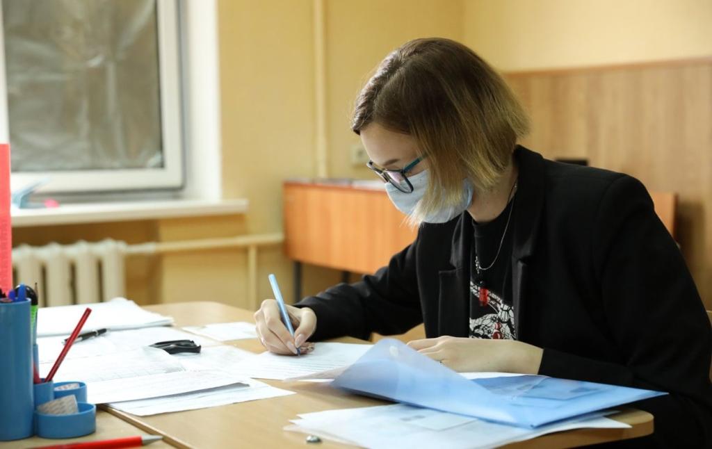 С ОРДЛО не выпускают абитуриентов: Украина продолжила прием документов