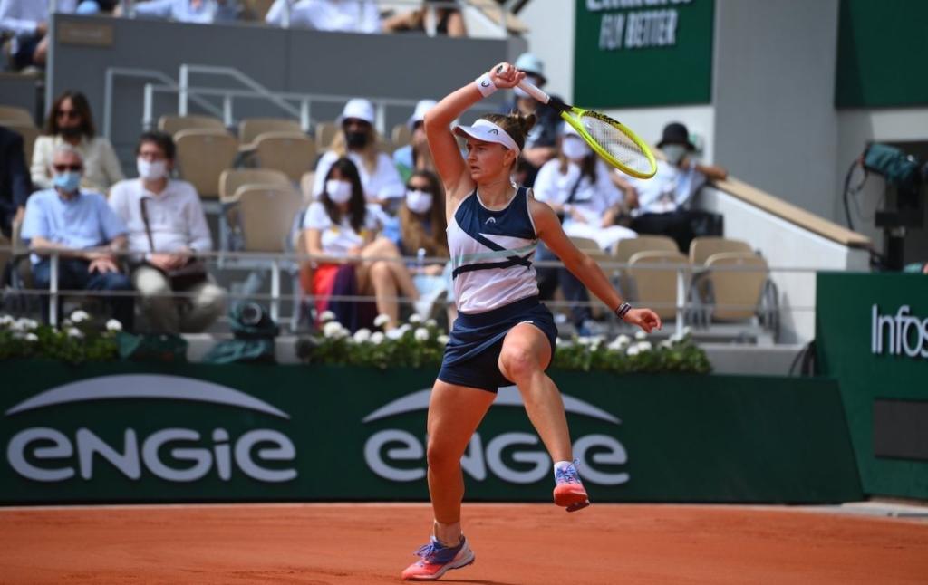 Чешка Крейчикова выиграла Ролан Гаррос. Она выбила Свитолину с турнира