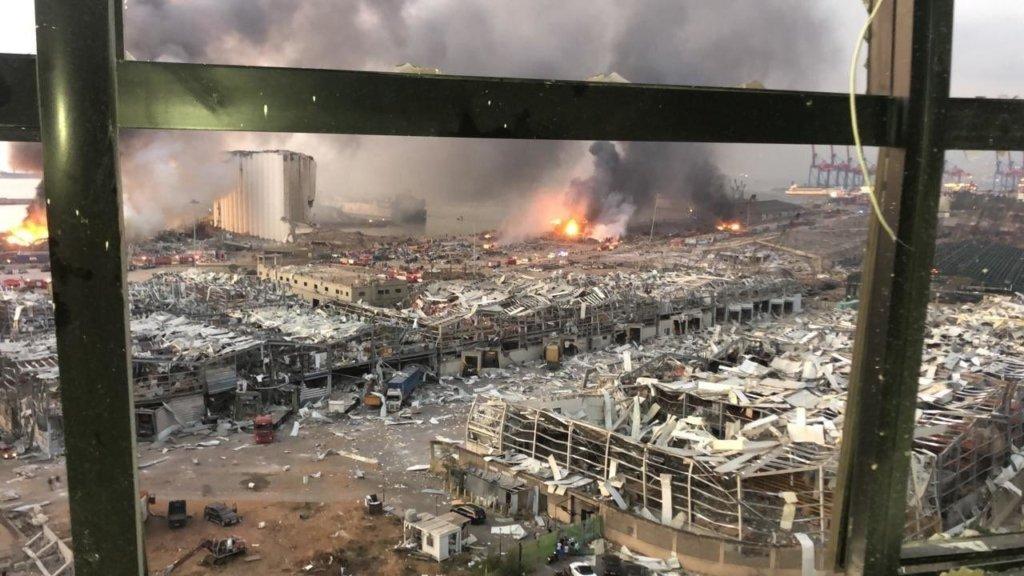 Вибух у Бейруті: з'явилися фото і відео наслідків