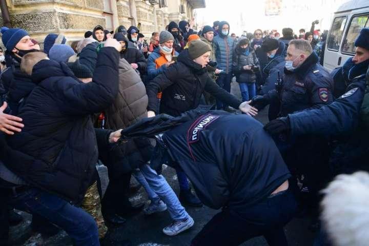 Глави МЗС Євросоюзу збираються обговорити протести в Росії