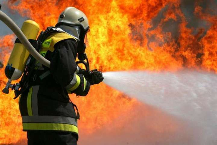 Во время пожара в столичной бани погибло три человека