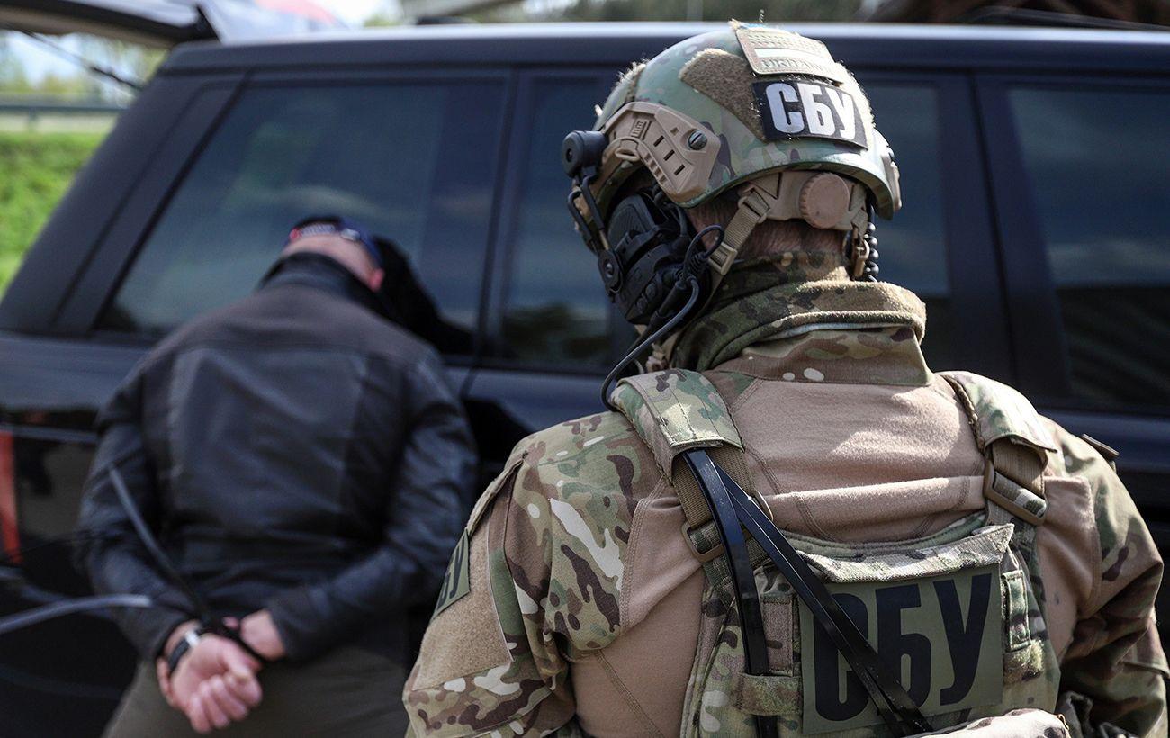 """Тероризували бізнес та населення: у Київській області викрили банду """"авторитета"""""""